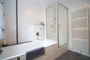 reiheneckhaus_buchloe_badezimmer2
