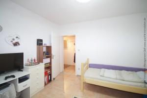 mehrfamilienhaus_badwoerishofen_schlafzimmer2-1