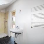 Dachgeschoss-Badezimmer2