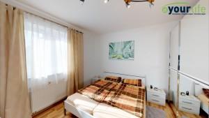 Kernsanierte-Doppelhaushalfte-Augsburg-Schlafzimmer2