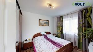 Kernsanierte-Doppelhaushalfte-Augsburg-Schlafzimmer3