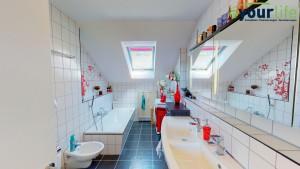 Dachgeschosswohnung_Kaufbeuren_Badezimmer1